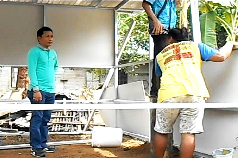 Ketua DPRD Balangan Bantu Satu Unit Rumah Melalui SBC
