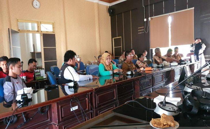 DPRD HIMBAU MASYARAKAT UNTUK BERPARTISIPASI DALAM MEMBANTU WARGA SEKUBU